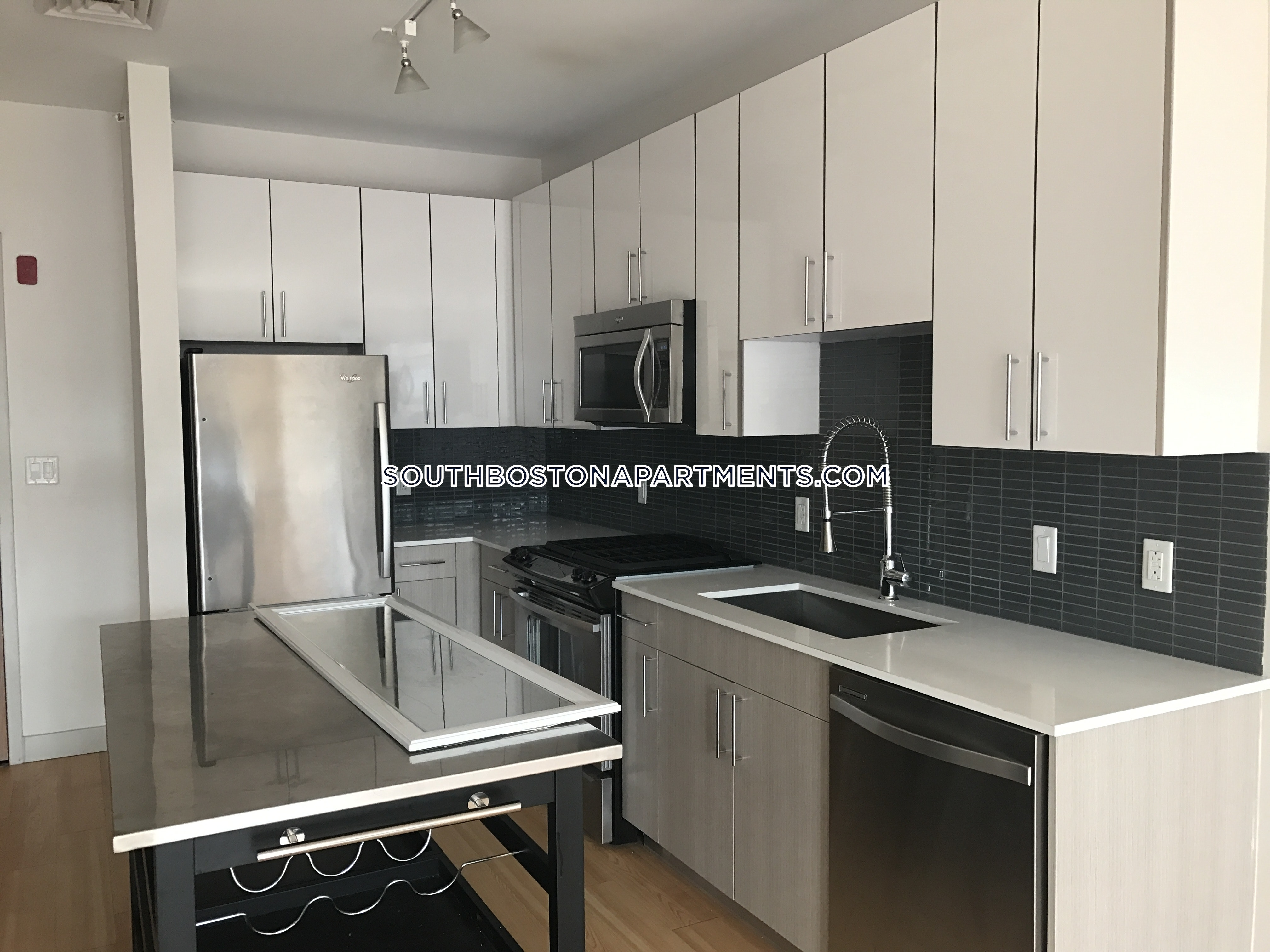 Stunning one bedroom/ one bath - Boston - South Boston - Seaport $4,000